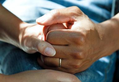 Krebs: Symptome, Ursachen, Diagnose und Behandlung