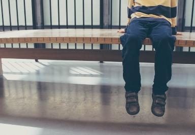 Angelman-Syndrom: Symptome, Ursachen, Diagnose und Behandlung