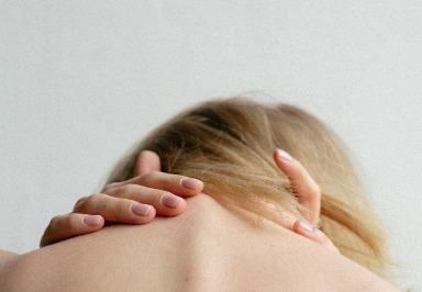 Studie: Nackenschmerzen - und welchen Einfluss Body-Maß-Index und Alter haben