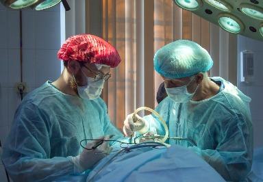 Anästhesie: Wie sich die Dosis des Narkosemittels Propofol individuell anpassen lässt
